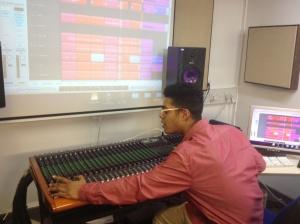 Studio pic Nee Hi