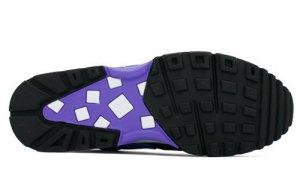 violet-bw-4