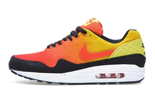 nike-sportswear-enginereed-mesh-air-max-sunset-pack-1