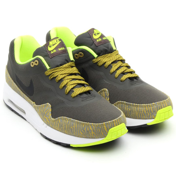 buy popular 14097 c4ec6 The Nike Air Max 1 Premium Tape, has a fresh Sprint Black Parachute look  that combines a Safari zebra print and the bright new citrus sprint colours.