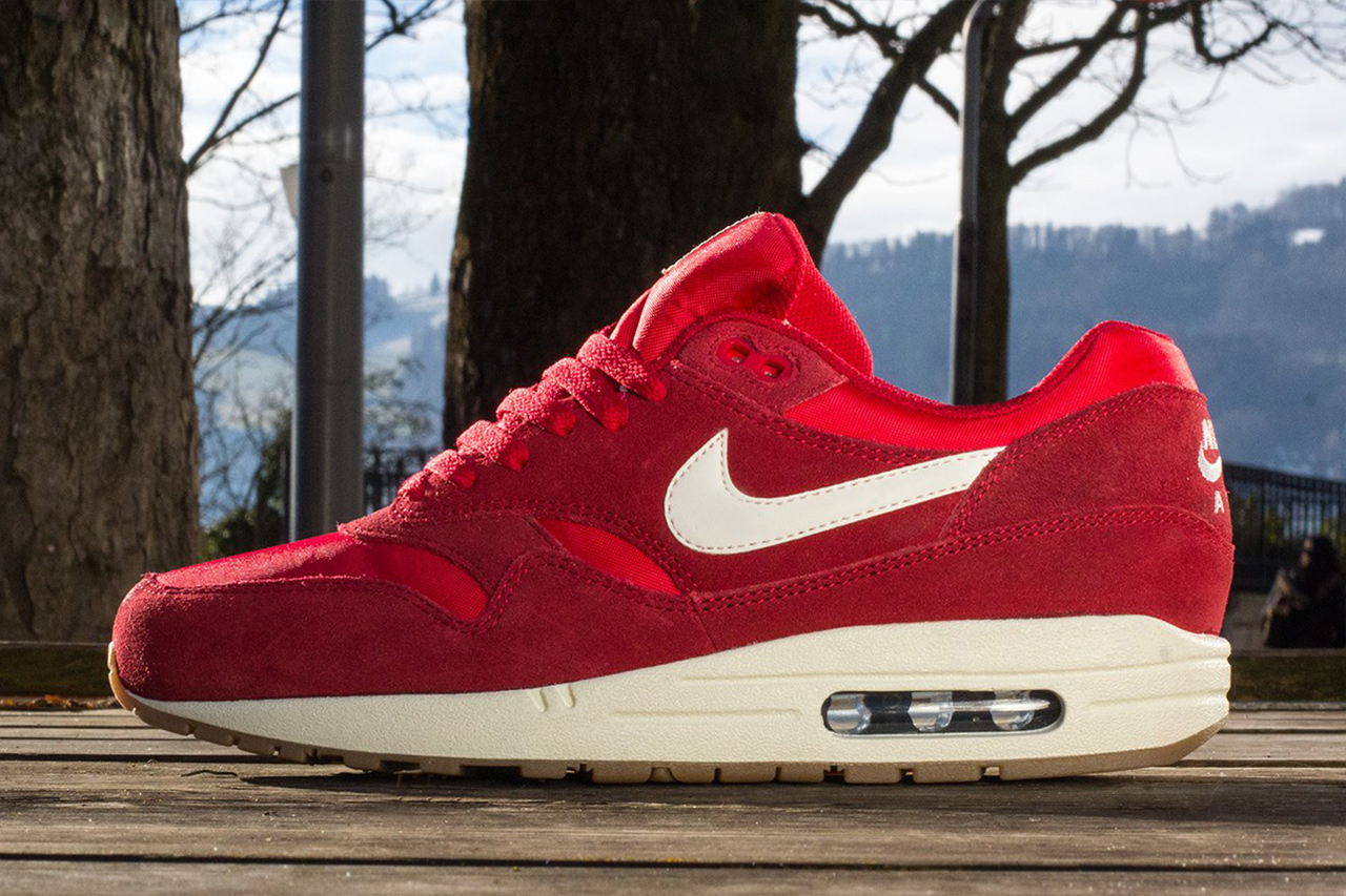 separation shoes 84515 bccfb Nike Sportswear 2014 Spring Air Max 1 Essential - Trapped Ma