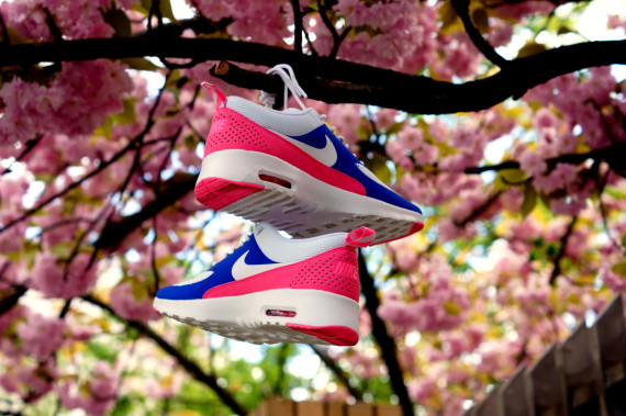 Nike WMNS Air Max Thea - Game RoyalWhite Pink Glow Wolf