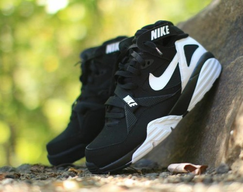 nike-air-trainer-max-91-black-white-01