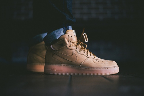 a-closer-look-at-the-nike-air-force-1-mid-nsw-flax-collection-1