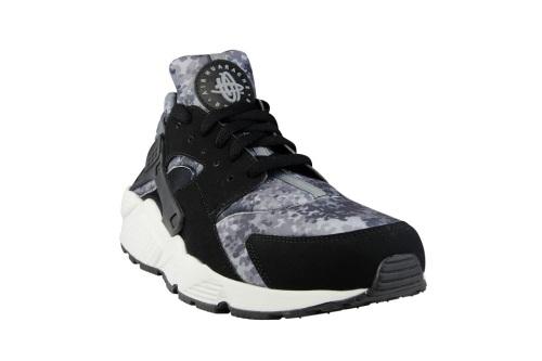 "size 40 dbc88 535b8 Highsnobiety x Foot Locker   Nike Air Huarache ""Camo ..."