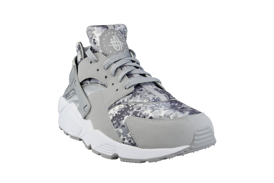 official photos 2ade0 3f6bd ... uk nike air huarache camo foot locker 05 960x640 4f5b1 88259