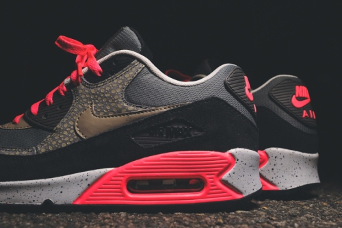 nike-sportswear-2014-holiday-safari-pack-air-max-90-95-huarache-02