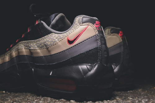 nike-sportswear-2014-holiday-safari-pack-air-max-90-95-huarache-04