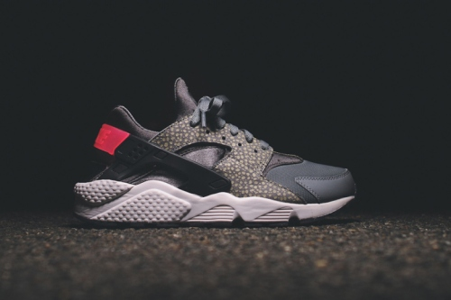 nike-sportswear-2014-holiday-safari-pack-air-max-90-95-huarache-05